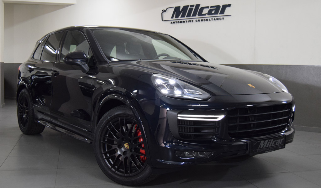 Pre Owned 2016 Porsche Cayenne Turbo Sexy Girl And Car